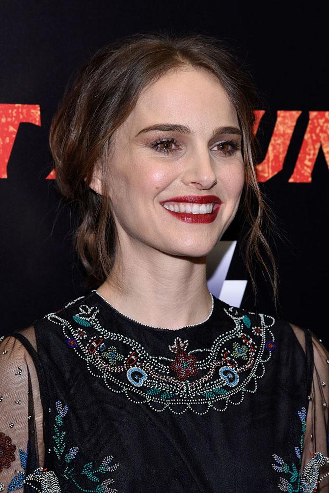 "Natalie Portman - ""Rouge Parfait"": savladaj savršen pariski  šik izgled"