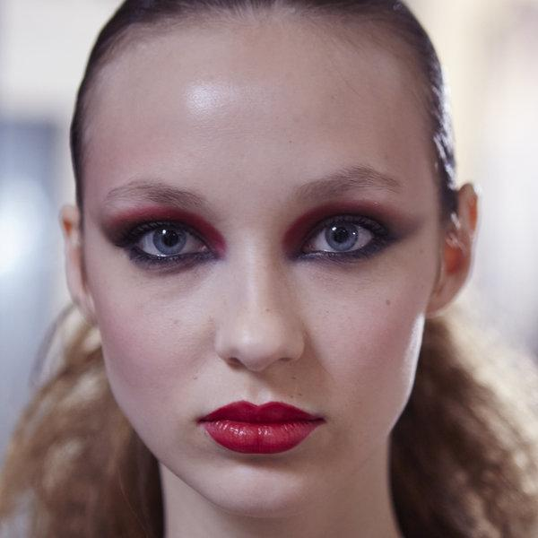 Paris Fashion Week: Backstage beauty inspiracija