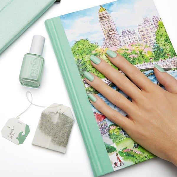 Mint-zeleni-prolećni-manikir