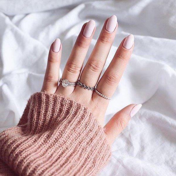 Sprecite-pucanje-noktiju-tokom-zime