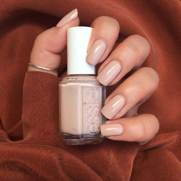 Nude nokti – upotpuni svoj nude outfit