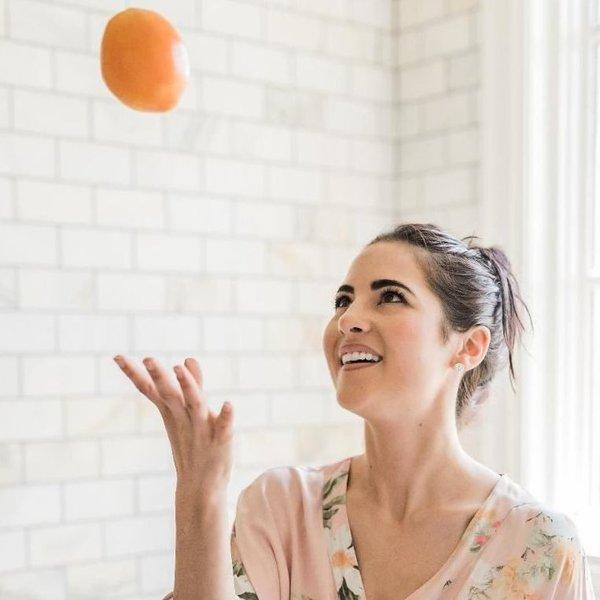 Hijaluron i vitamin C Blistava koža uz samo dva sastojka!