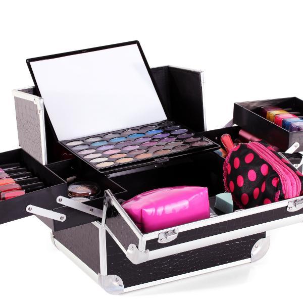 Zašto je set šminke nezamenljiv makeup proizvod